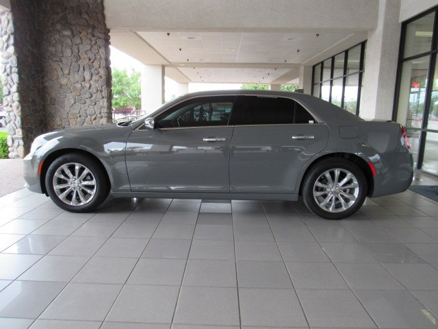 Used 2019 Chrysler 300 Limited AWD