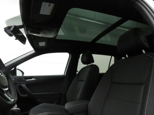 2021 Volkswagen Tiguan 2.0T SE R-Line Black