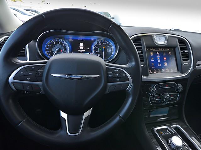 2016 Chrysler 300 Limited – Stock #P12149C