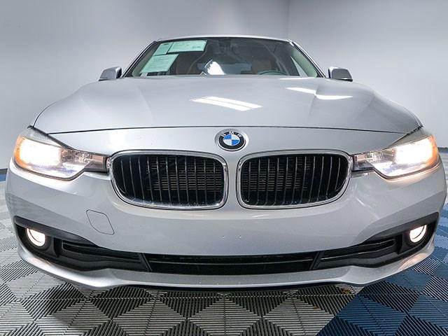 Used 2017 BMW 3-Series 320i xDrive