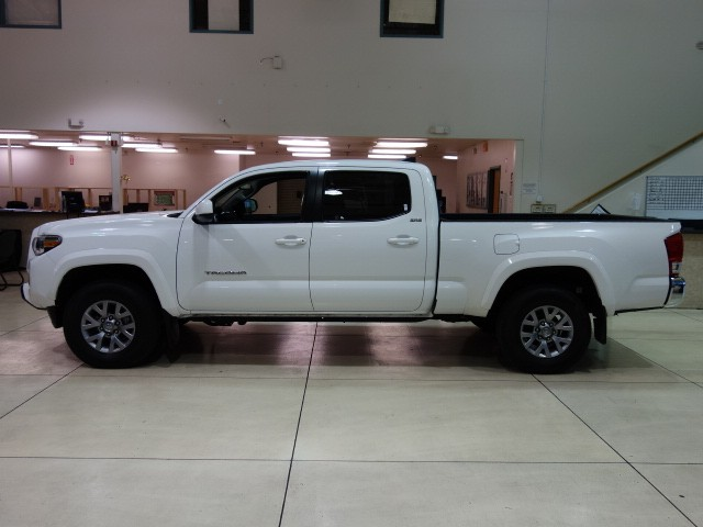 used 2016 toyota tacoma sr5 crew cab for sale stock 164923a chapman chrysler jeep. Black Bedroom Furniture Sets. Home Design Ideas