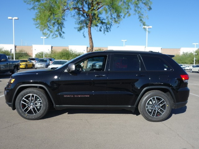 2017 jeep grand cherokee trailhawk for sale stock 17j062 chapman chrysler jeep. Black Bedroom Furniture Sets. Home Design Ideas