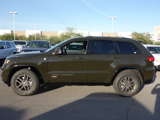 2017 jeep grand cherokee limited 75th anniversary for sale stock 17j132 chapman chrysler jeep. Black Bedroom Furniture Sets. Home Design Ideas