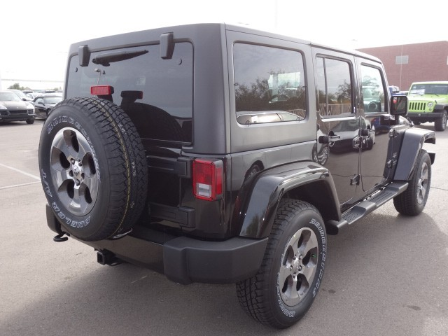 2017 jeep wrangler unlimited sahara for sale stock 17j323 chapman chrysler jeep. Black Bedroom Furniture Sets. Home Design Ideas