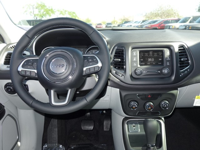 2017 jeep new compass latitude 17j644 chapman automotive group. Black Bedroom Furniture Sets. Home Design Ideas
