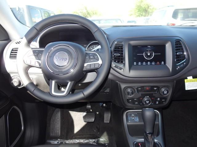2017 jeep new compass latitude 17j683 chapman automotive group. Black Bedroom Furniture Sets. Home Design Ideas