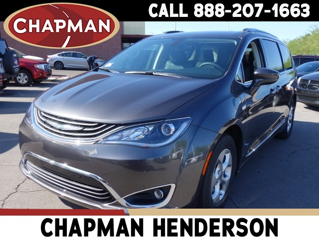 2018 Chrysler Pacifica Hybrid Touring L – Stock #18C082