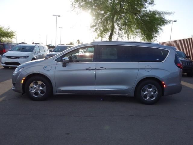 2018 Chrysler Pacifica Hybrid Limited – Stock #18C091
