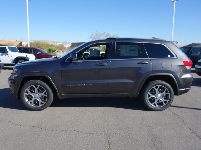 2018 Jeep Grand Cherokee Sterling Edition – Stock #18J684