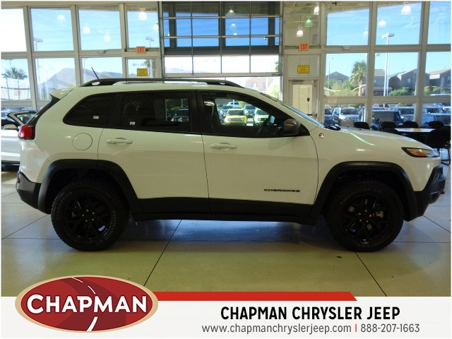 Superior 2015 Jeep Cherokee Trailhawk