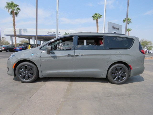 2020 Chrysler Pacifica Hybrid Limited Red S