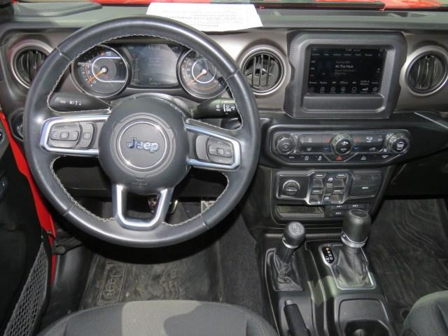 2020 Jeep Gladiator Sport Crew Cab