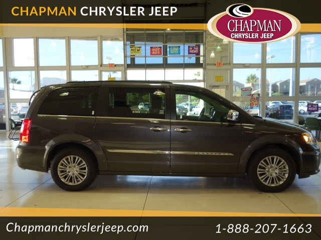 2016 chrysler town and country touring l in las vegas stock h6027x chapman warm springs. Black Bedroom Furniture Sets. Home Design Ideas
