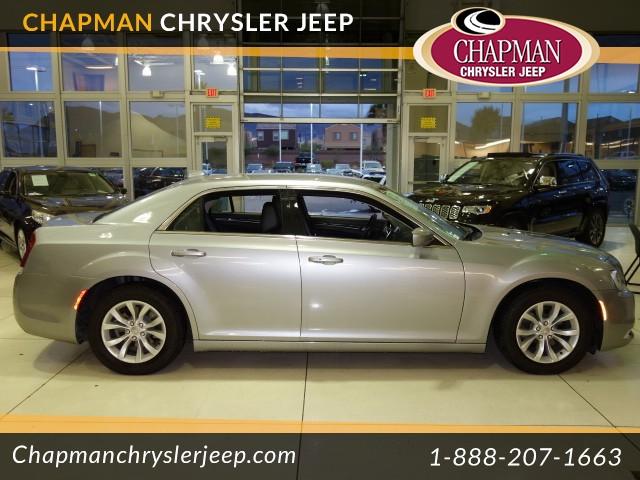 2015 Chrysler 300 Limited Details