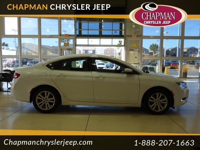 2015 Chrysler 200 Limited Details