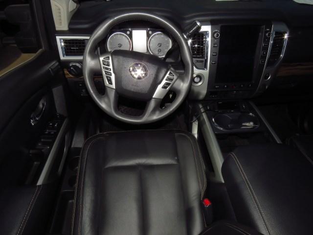 2017 Nissan Titan SL Crew Cab