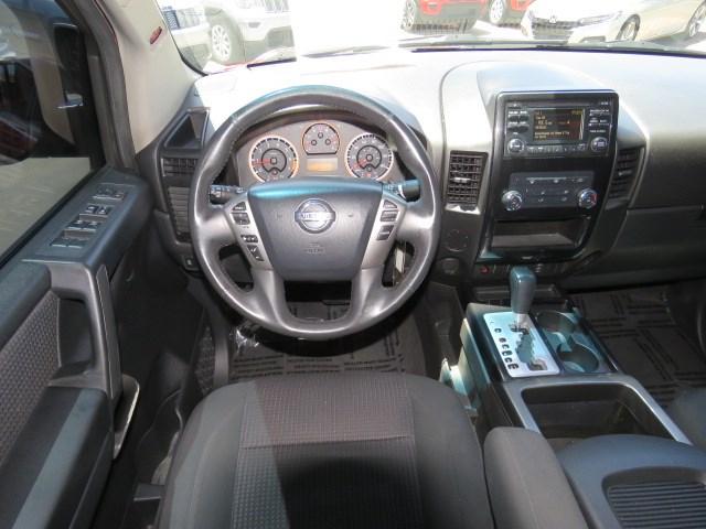 2014 Nissan Titan SV Crew Cab