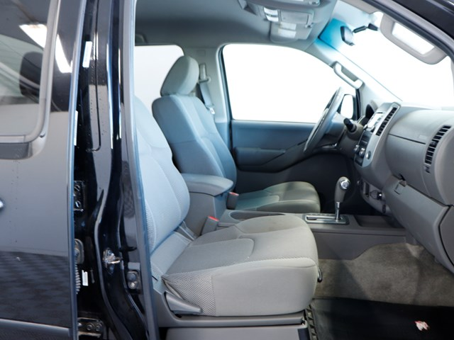 Used 2013 Nissan Frontier SV Crew Cab