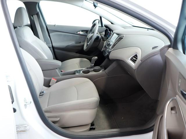 Used 2017 Chevrolet Cruze LT Auto