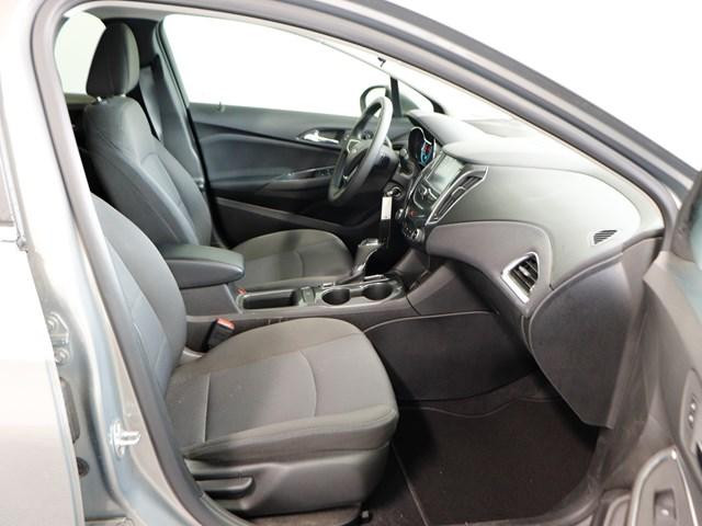 Used 2018 Chevrolet Cruze LT Auto