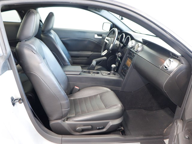 Used 2009 Ford Mustang GT Deluxe