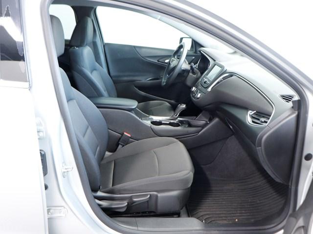 Used 2017 Chevrolet Malibu LT