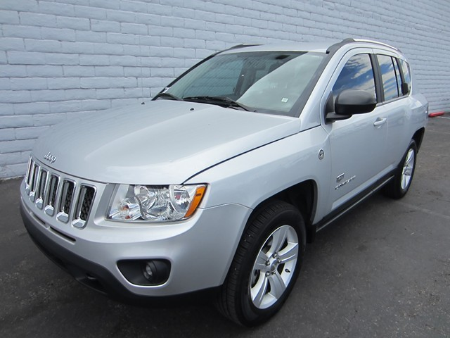 used 2011 jeep compass 70th anniversary for sale stock 611148a chapman chrysler jeep. Black Bedroom Furniture Sets. Home Design Ideas