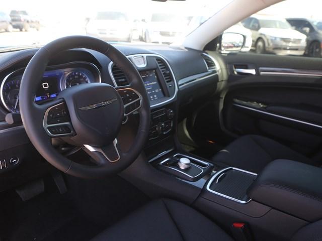 2020 Chrysler 300 Touring