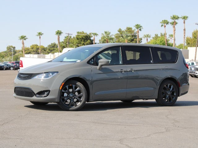 2020 Chrysler Pacifica Touring