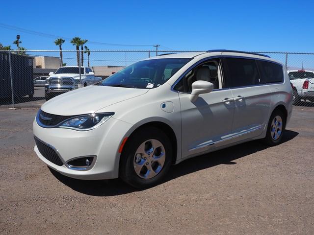2020 Chrysler Pacifica Hybrid Touring L