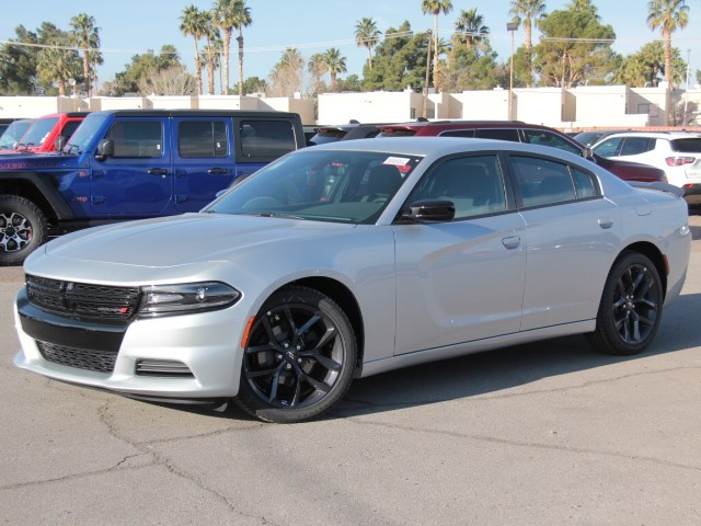 2020 Dodge Charger SXT 8-Speed Automatic w/Manual Shift RWD