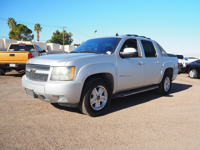 2011 Chevrolet Avalanche LT Crew Cab