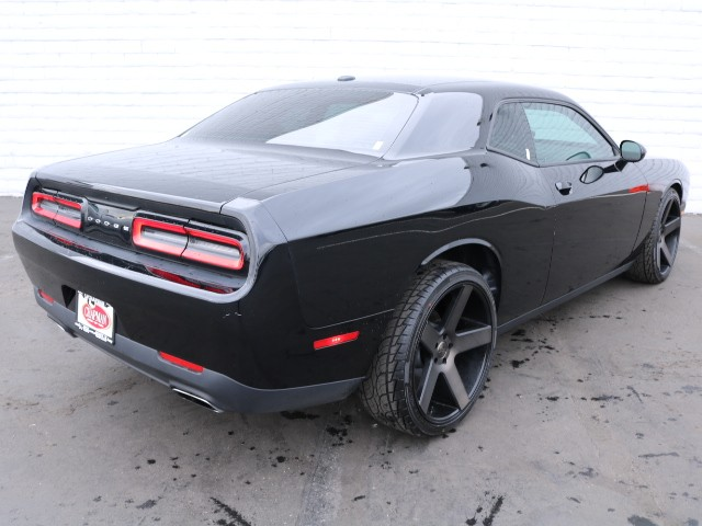 used 2016 dodge challenger sxt for sale stock cp76926 chapman chrysler jeep. Black Bedroom Furniture Sets. Home Design Ideas