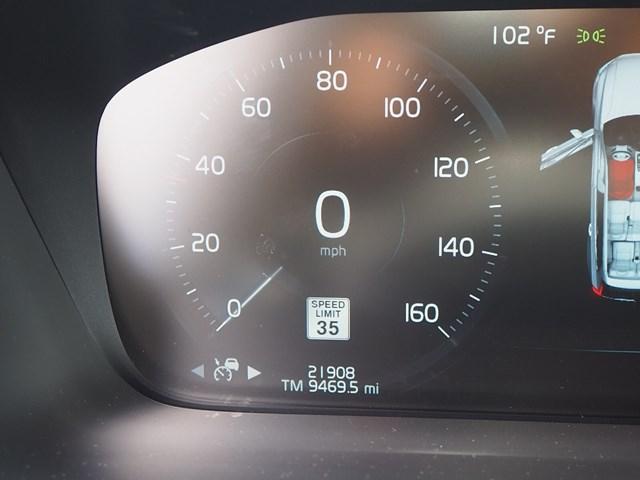 2019 Volvo XC90 T6 R-Design