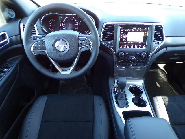 Jeep Grand Cherokee Altitude Interior