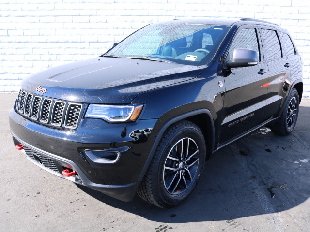 2018 jeep grand cherokee trailhawk for sale stock j8304 chapman chrysler jeep. Black Bedroom Furniture Sets. Home Design Ideas