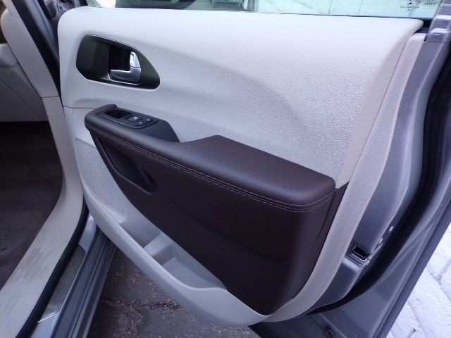 2017 Chrysler Pacifica Floor Mats Chrysler Pacifica Floor