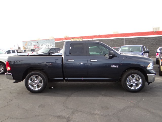 2016 ram 1500 quad cab big horn 888 207 1749 stock r6290 at chapman las vegas dodge. Black Bedroom Furniture Sets. Home Design Ideas