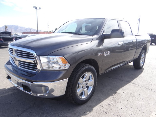 2017 ram 1500 crew cab big horn 888 207 1749 stock r7012 at chapman las vegas dodge. Black Bedroom Furniture Sets. Home Design Ideas