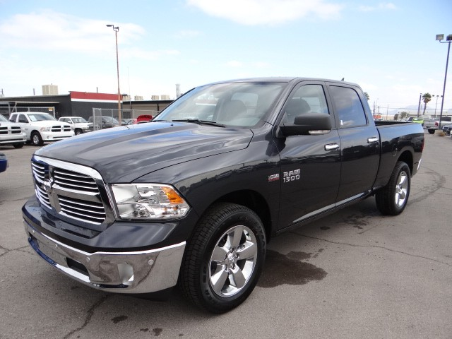 2017 ram 1500 crew cab big horn r7041 chapman automotive group. Black Bedroom Furniture Sets. Home Design Ideas