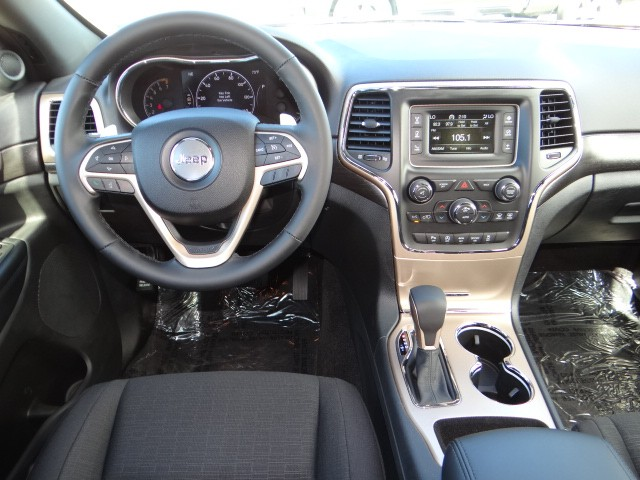 2017 jeep grand cherokee laredo e for sale stock t3438 chapman chrysler jeep. Black Bedroom Furniture Sets. Home Design Ideas