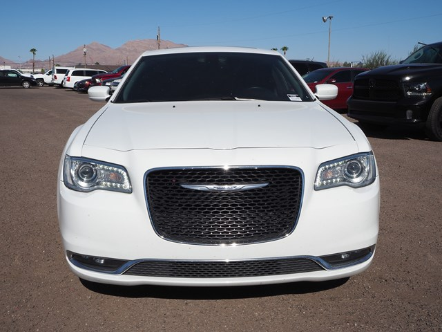 2016 Chrysler 300 Limited Anniversary
