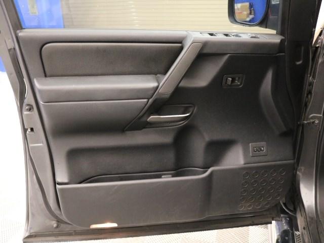 2011 Nissan Titan SL Crew Cab