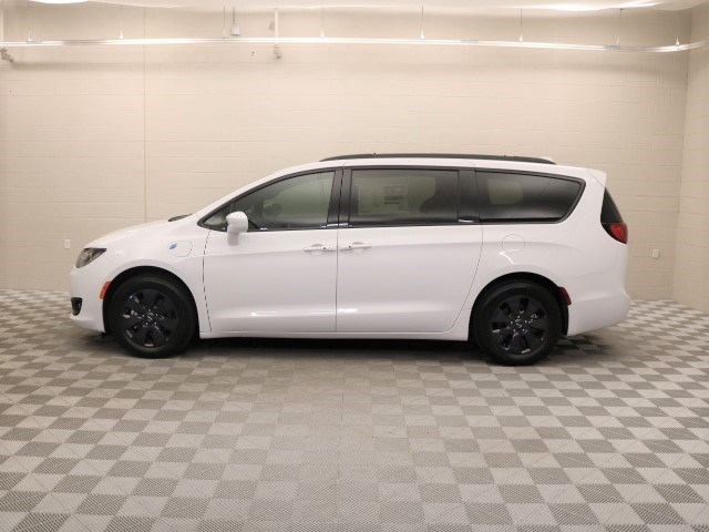 2020 Chrysler Pacifica Hybrid Touring L
