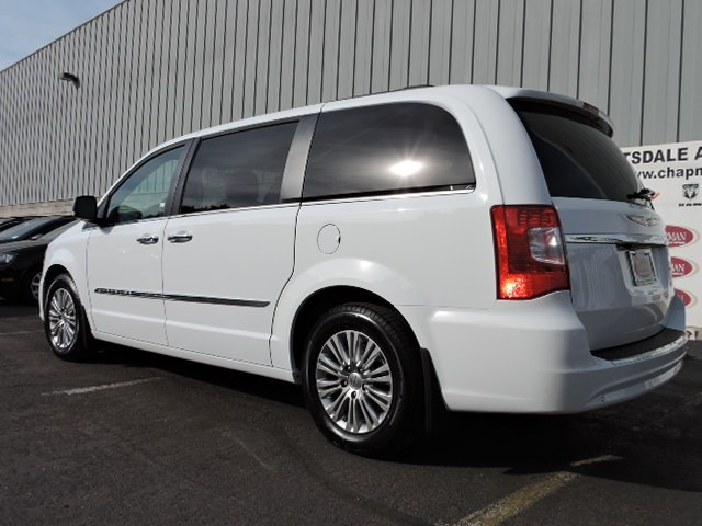 2016 chrysler town and country touring l anniversary. Black Bedroom Furniture Sets. Home Design Ideas
