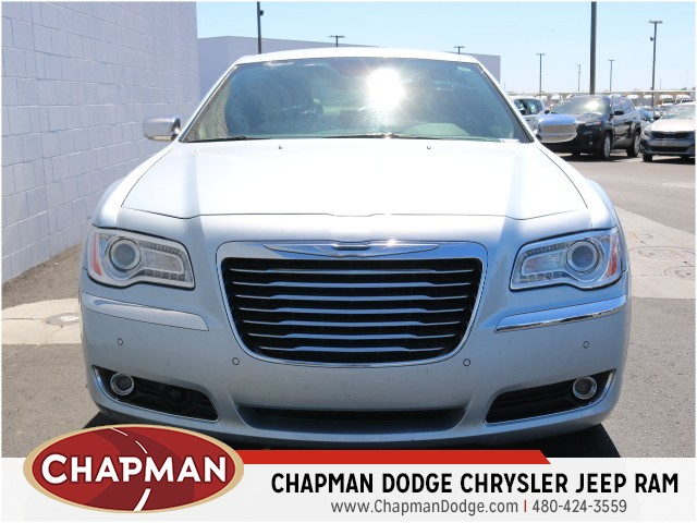 2013 Chrysler 300 C Details