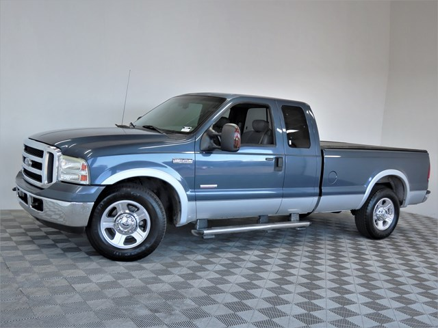 2006 Ford F-350 Super Duty Lariat Extended Cab