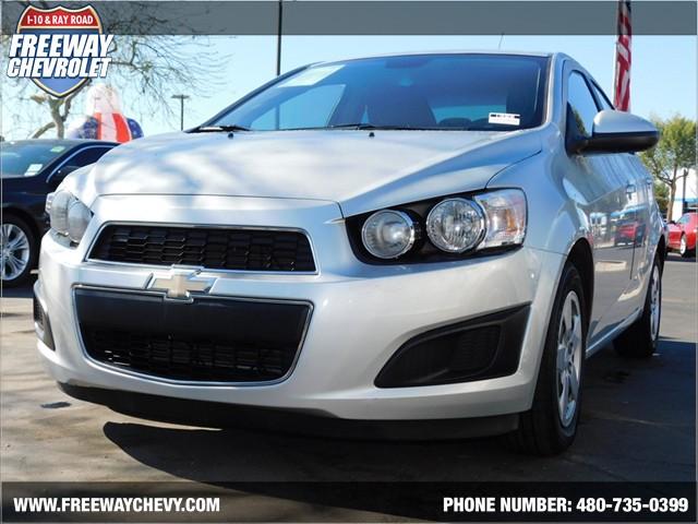 2013 Chevrolet Sonic LS Details