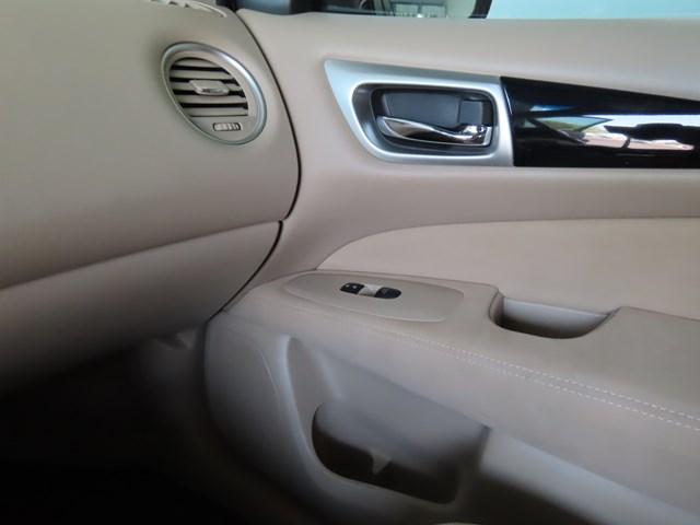 Used 2014 Nissan Pathfinder SV