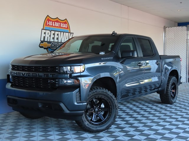New 2021 Chevrolet Silverado 1500 Crew Cab Custom